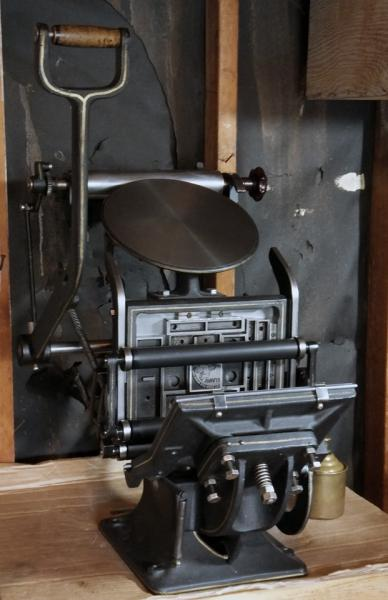 Boston Tiegel Rollers And Disc Ratchet Briar Press A